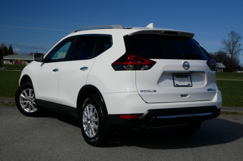 Nissan Rogue 2019 price $26,946