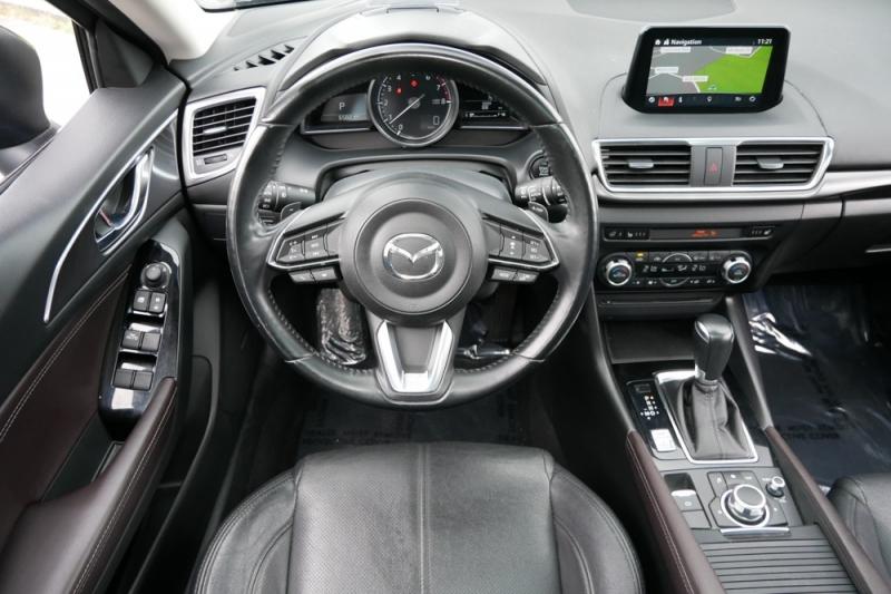 Mazda Mazda3 Sport 2017 price $17,998