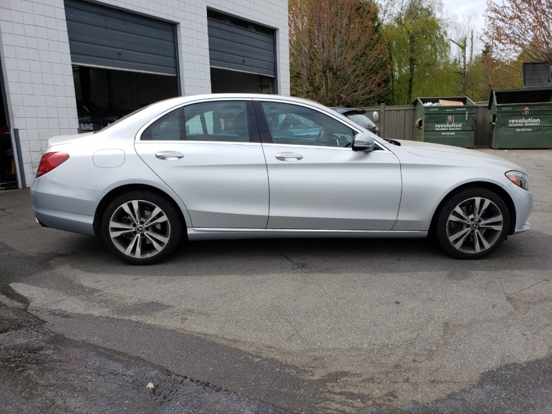 Mercedes-Benz C300 2018 price $39,800
