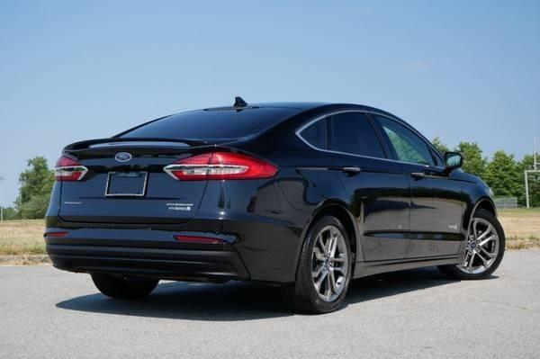Ford Fusion 2019 price $26,965