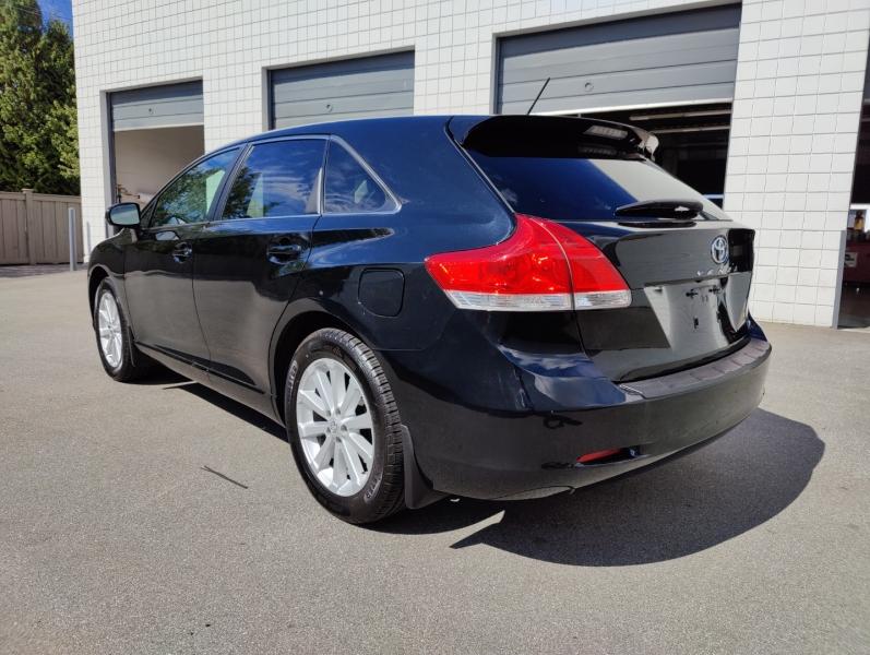 Toyota Venza 2011 price $18,965