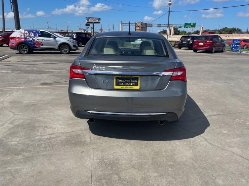 CHRYSLER 200 2012 price $9,250