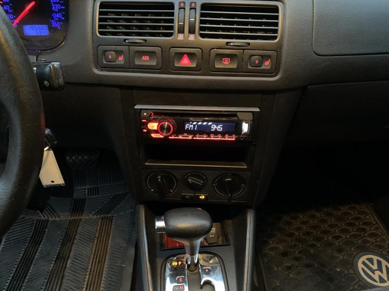 Volkswagen Jetta 2003 price $1,950