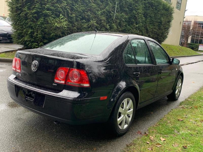 Volkswagen Jetta 2009 price $5,950