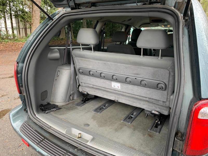 Dodge Grand Caravan 2005 price $2,950