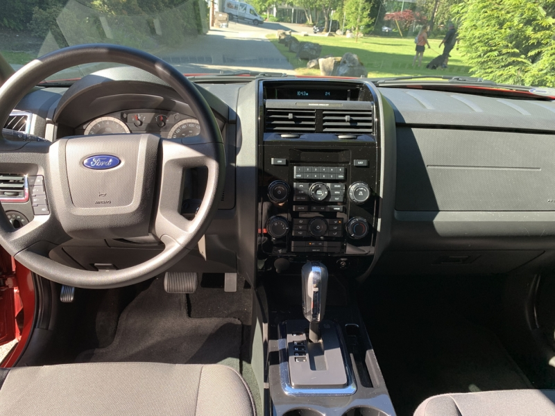 Ford Escape 2011 price $14,950