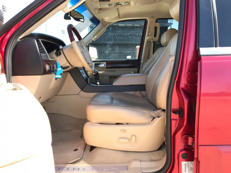 LINCOLN NAVIGATOR 2005 price $5,495