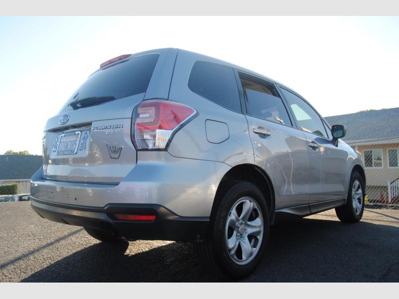Subaru Forester 2017 price $9,888