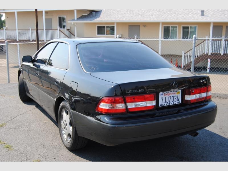 Lexus ES 300 2001 price $3,888