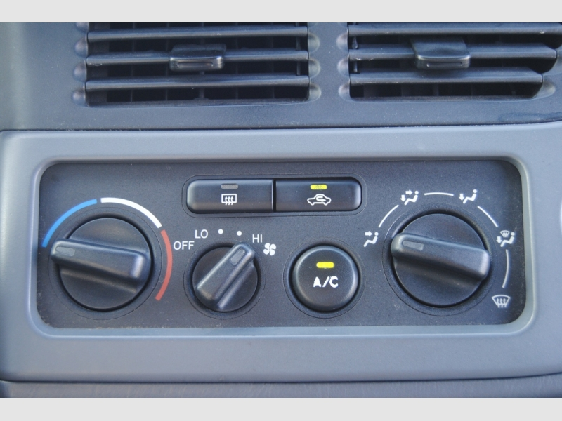 Toyota Sienna 2002 price $4,888