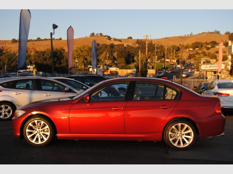 BMW 3-Series 2011 price $11,888