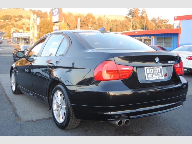 BMW 3-Series 2010 price $11,888