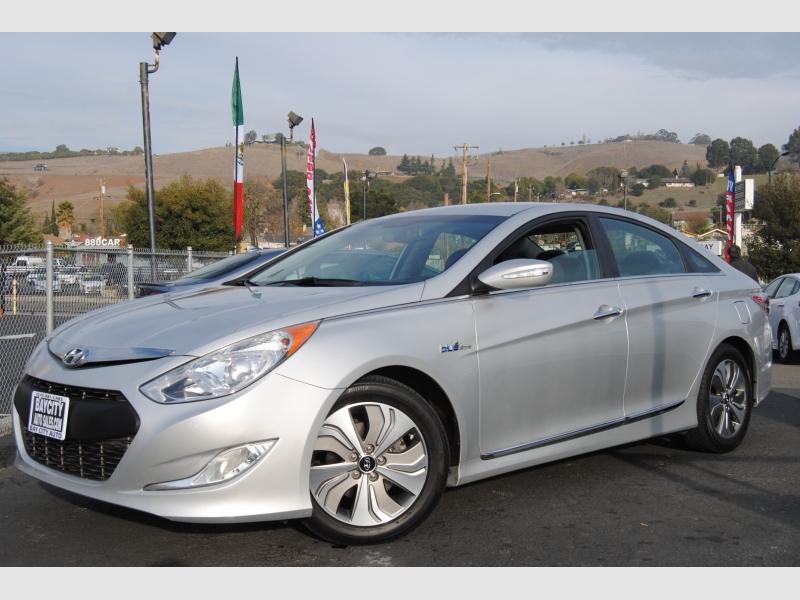 Hyundai Sonata Hybrid 2013 price $10,888