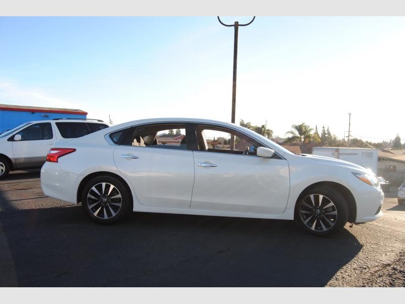Nissan Altima 2016 price $13,888