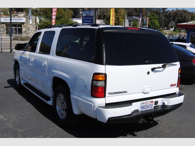 GMC Yukon XL Denali 2005 price $8,988