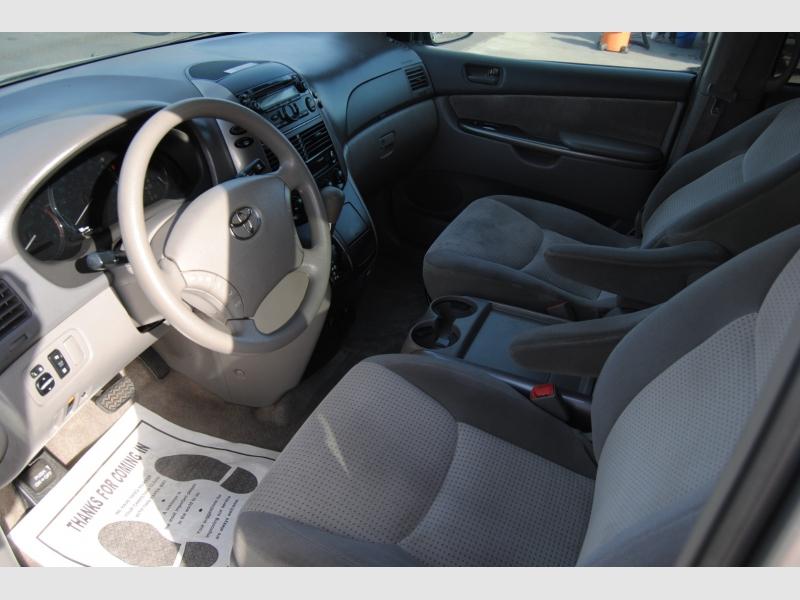 Toyota Sienna 2006 price $6,588