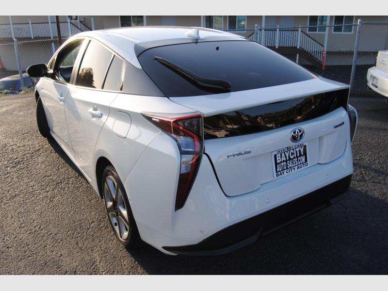 Toyota Prius 2018 price $12,288