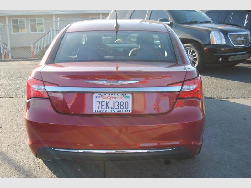 Chrysler 200 2014 price $8,988