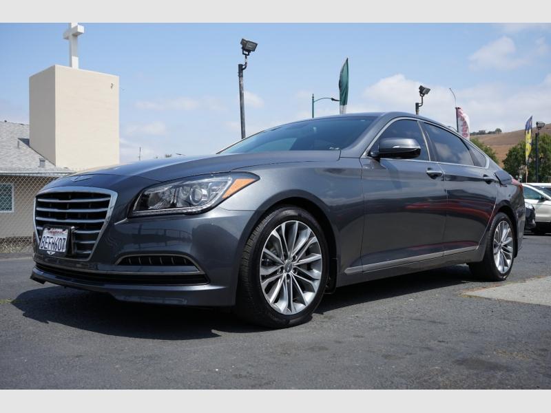 Hyundai Genesis 2015 price $15,888
