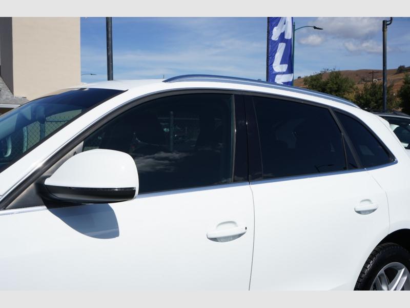 Audi Q5 2013 price $15,888