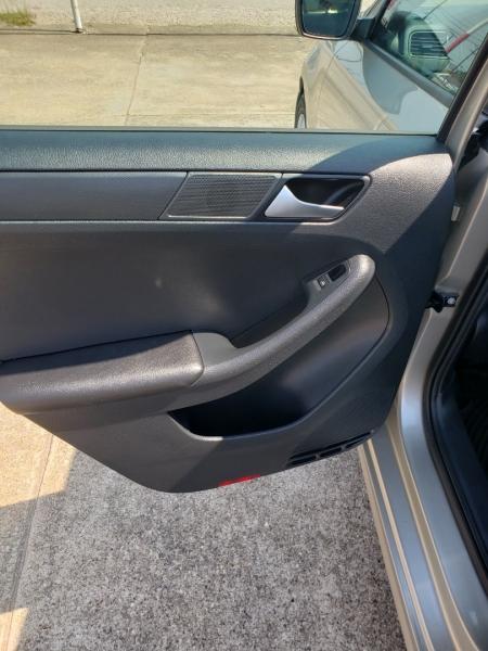 Volkswagen JETTA 2016 price $9,995