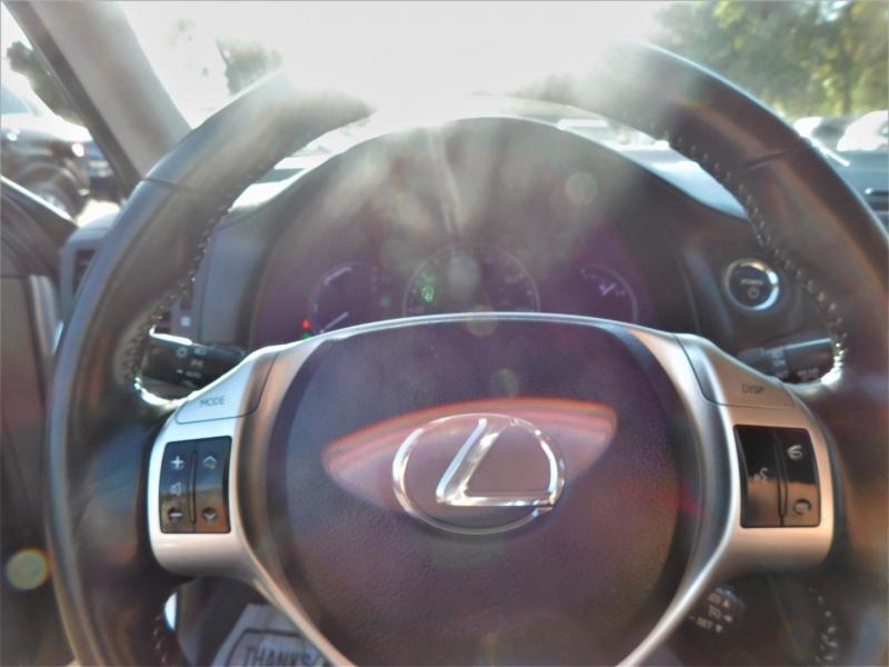 Lexus CT 200h 2012 price $11,495