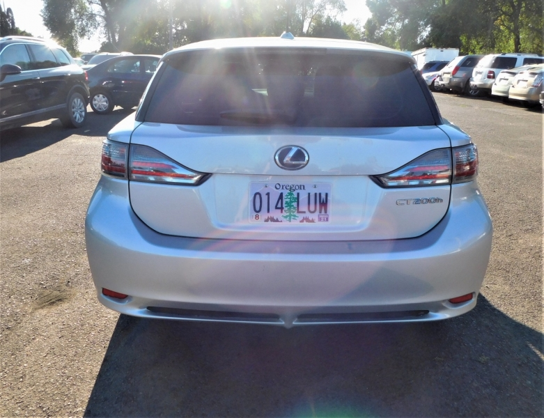 Lexus CT 200h 2012 price $11,495