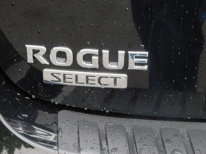 Nissan Rogue Select 2014 price $9,495
