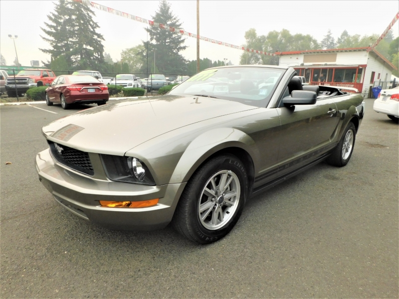 Ford Mustang 2005 price $8,777