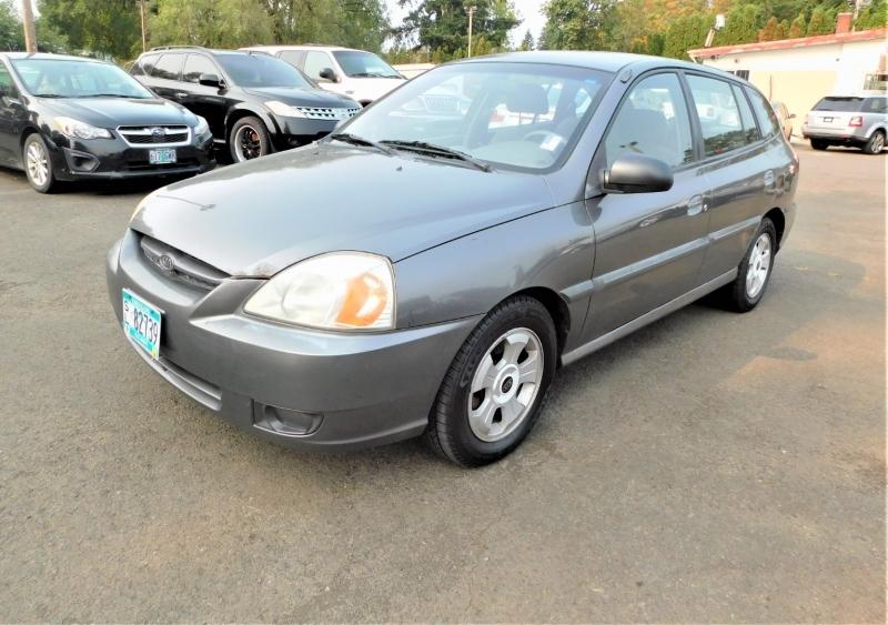 Kia Rio 2005 price $2,995