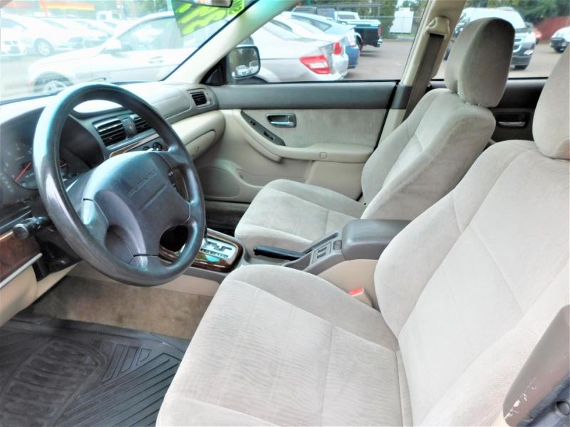 Subaru Outback 2000 price $3,995