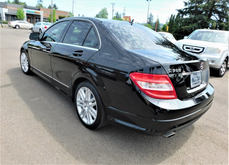 Mercedes-Benz C300 2009 price $9,495