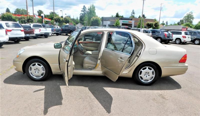 Lexus LS 430 2002 price $8,995