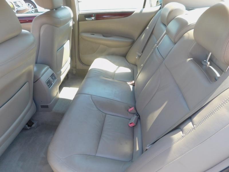 Lexus ES 330 2004 price $8,995