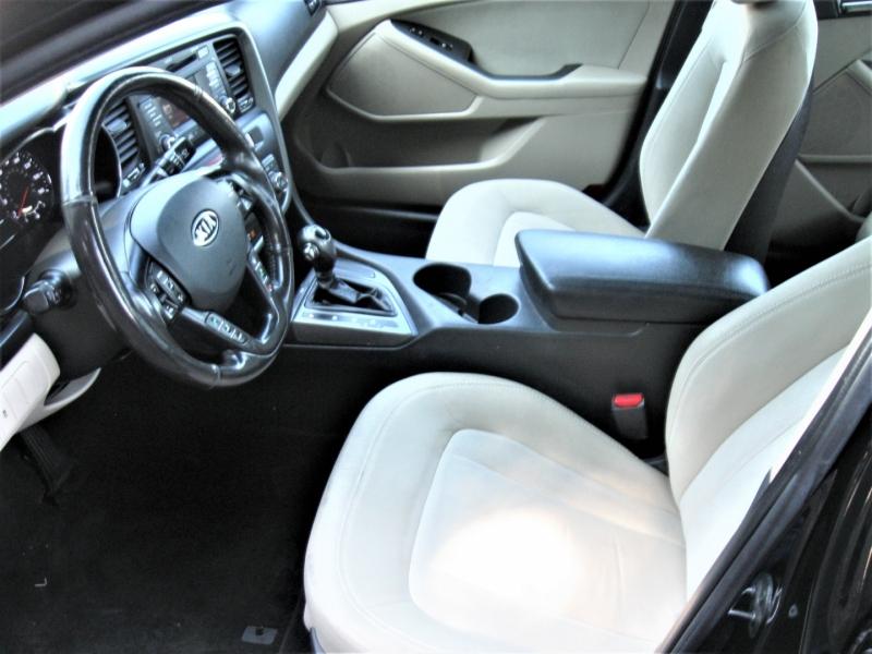 Kia Optima 2011 price $10,995
