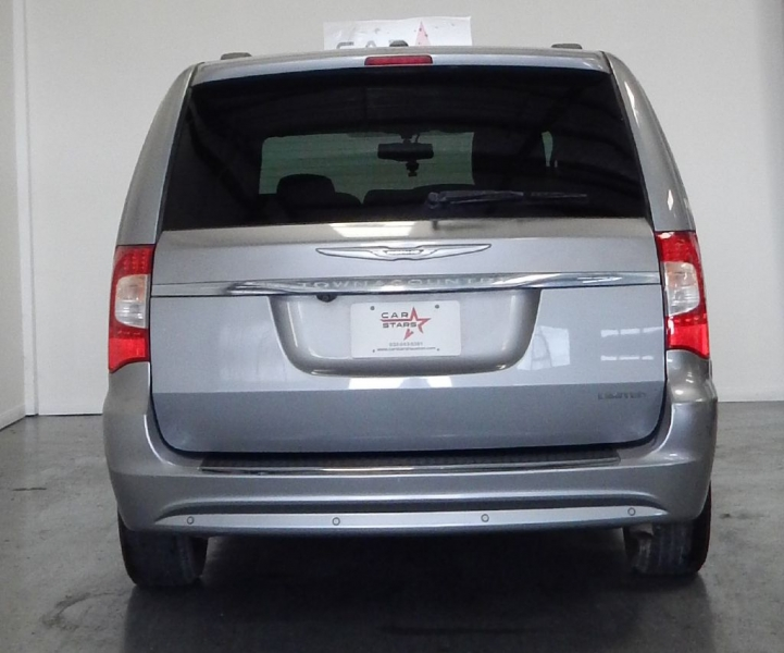 CHRYSLER TOWN & COUNTRY 2013 price $8,499