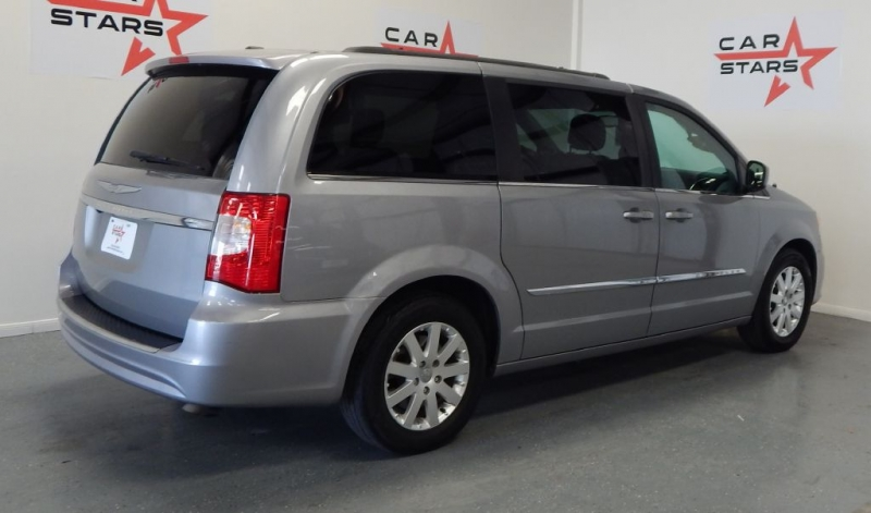 CHRYSLER TOWN & COUNTRY 2014 price $11,999