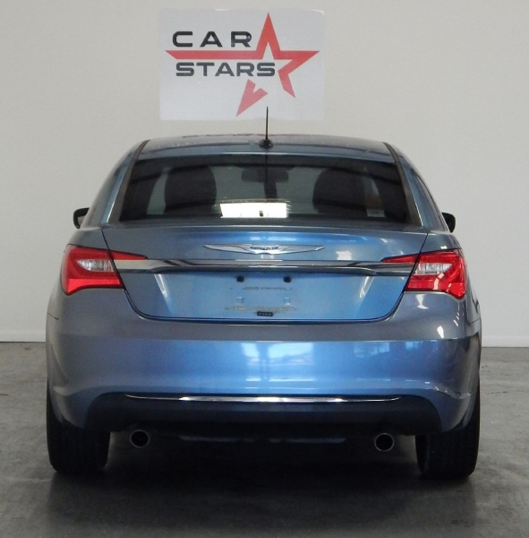 CHRYSLER 200 2011 price $8,499