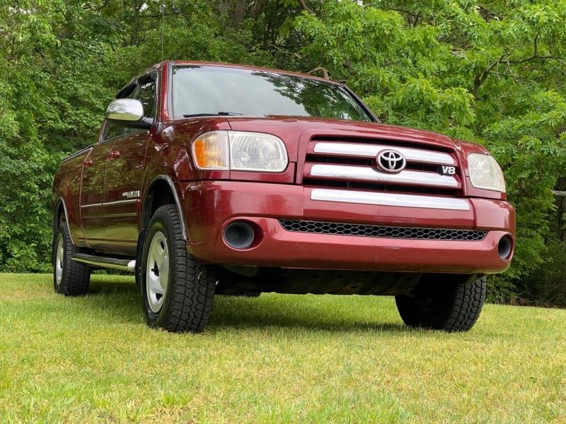 Toyota Tundra 2005 price $12,995