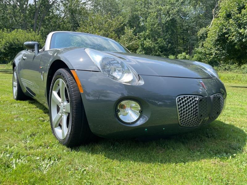 Pontiac Solstice 2008 price $11,995