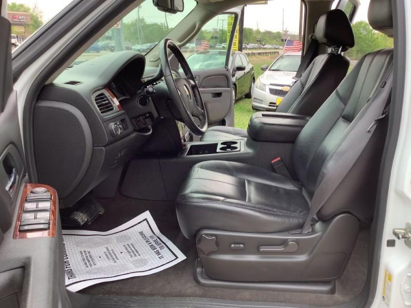 CHEVROLET SUBURBAN 2011 price $12,490
