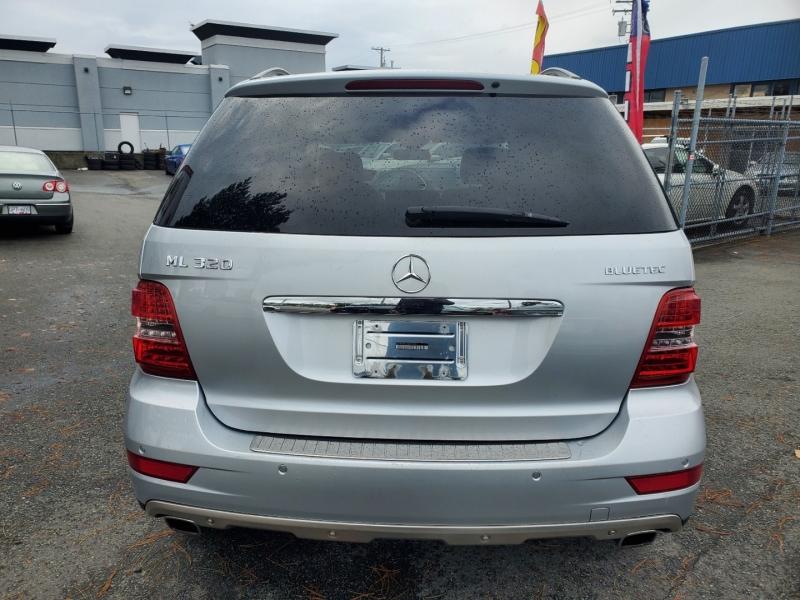 Mercedes-Benz M-Class 2009 price $10,888