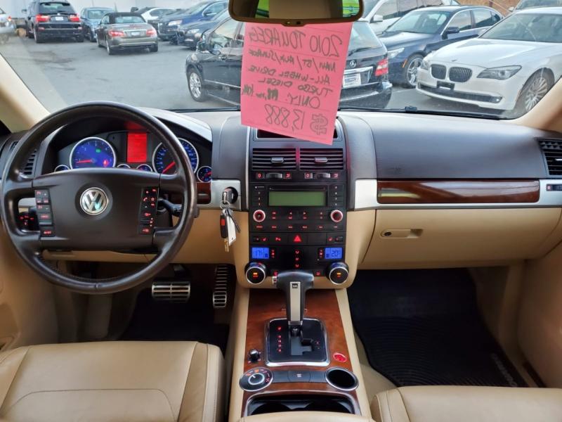 Volkswagen Touareg 2010 price $13,888