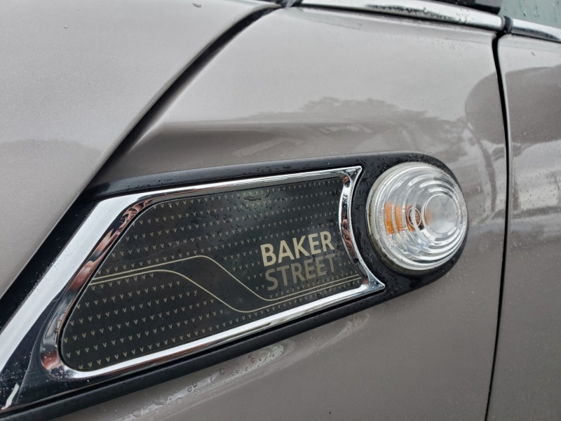 Mini Cooper Hardtop 2013 price $8,888