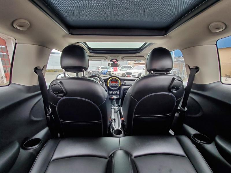 Mini Cooper Hardtop 2015 price $13,888
