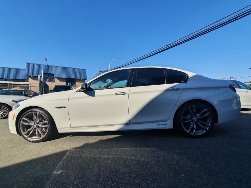 BMW 5-Series 2016 price $32,888