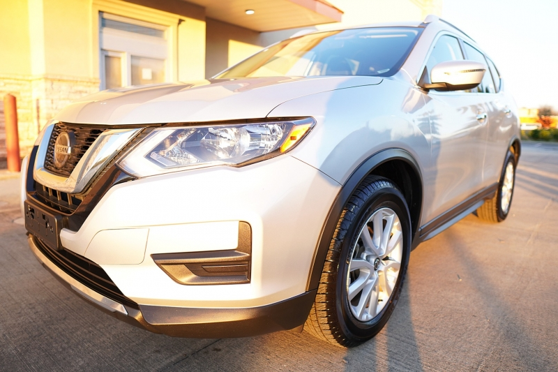 Nissan Rogue 2019 price $17,850