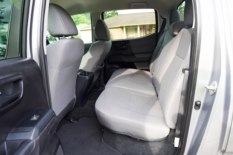 Toyota Tacoma 2WD 2019 price $36,999