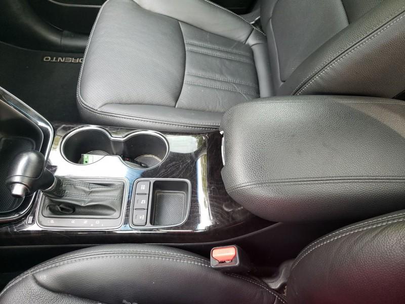 Kia Sorento 2015 price $15,800