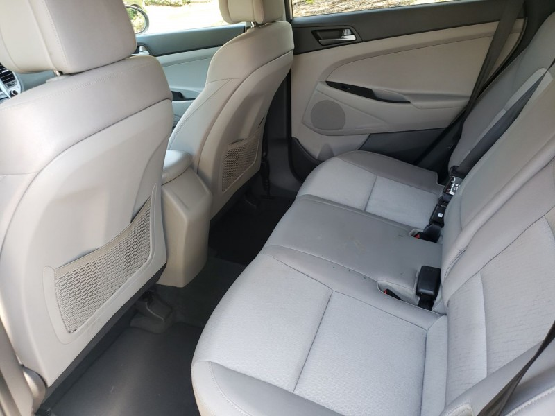 Hyundai Tucson 2016 price $15,900